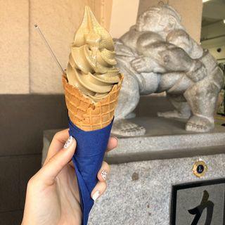 本山茶 玉露ほうじ茶ソフトクリーム(両国橋茶房)