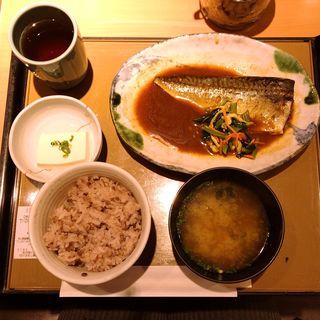 鯖の味噌煮定食(もち麦変更)