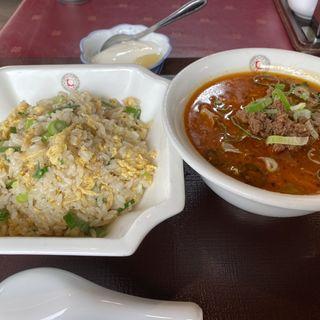 担々麺と炒飯のセット
