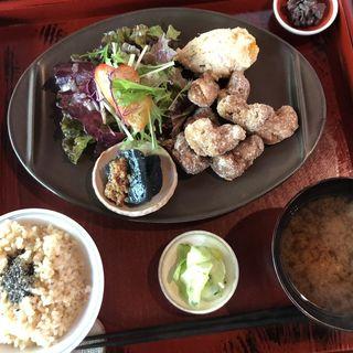 大豆たんぱくの唐揚げ定食