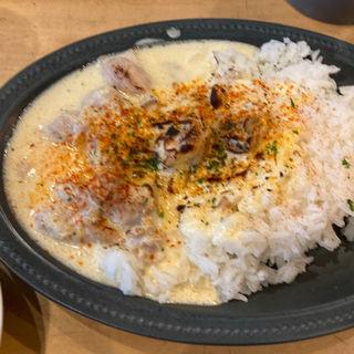 鶏肉のガーリッククリーム煮込み(TRUNK CAFE (トランク カフェ))