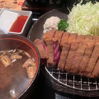 牛かつ麦飯定食(とろろ付き)
