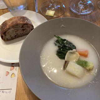 スープ仕立ての初冬の野菜のフリカッセ(ワイン食堂 ル・プティ・マルシェ (Le Petit Marche))
