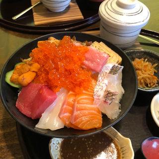 極み海鮮丼(塚本鮮魚店 (【旧店名】旬魚酒菜つかもと))