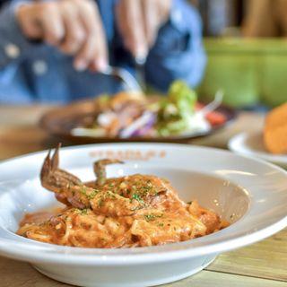 渡り蟹ととろけるチーズのトマトクリーム(ストラーダ・ディ・エイト)