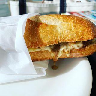 チーズカレーバゲット(3RD CAFE&MORE )
