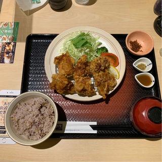 香味唐揚げ定食(唐揚げ6個)