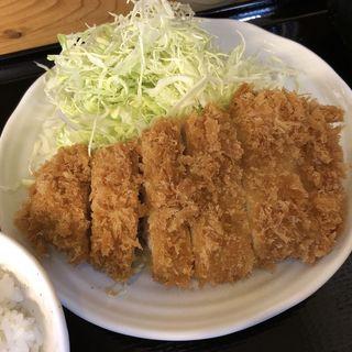 ロースかつ定食(とんかつ まるや 新橋駅前本店)