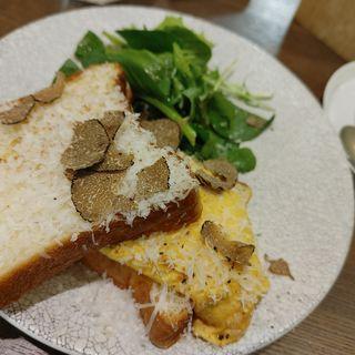 トリュフチョコレートと卵のエッグサンド