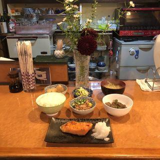 焼き魚定食(シャケ)(あじさい )