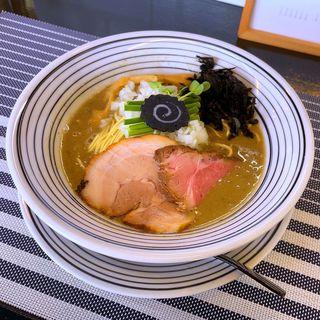 濃厚鶏白湯煮干(niboshi noodle 烏)