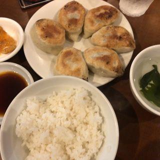 餃子定食(でっかい餃子 曾さんの家)