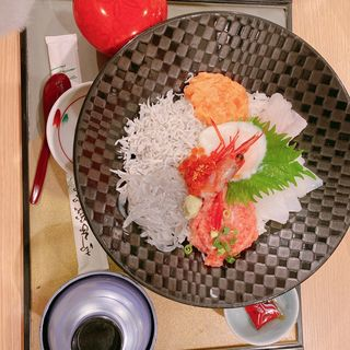 魚華丼(魚華)