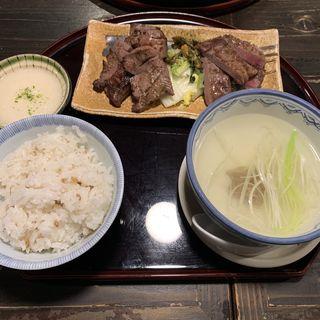 牛たん三昧定食(坂之上商店 )