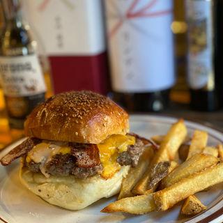 ベーコンチーズバーガー(Hyoe's Burgers+Fries)