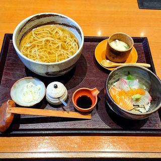 海鮮・蕎麦定食(なるみ乃 春日店)