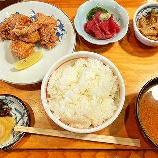 唐揚げ定食(季節料理 味久 (きせつりょうり あじきゅう))