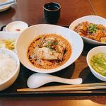 "JASMINE名物""よだれ鶏"" ミニ麻婆豆腐付きセット"