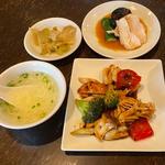野菜とイカの豆豉炒め 日替わりランチ