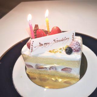 お誕生日ケーキ(香桃)