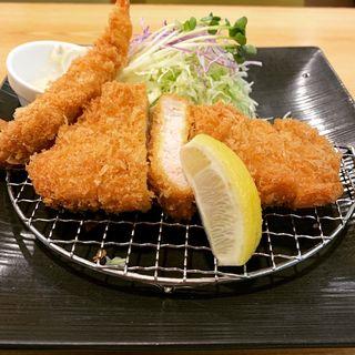 国産ロースとんかつと海老フライランチ(とんかつKYK 阪急三番街店 (ケーワイケー))