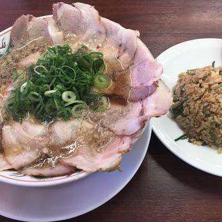 特製醤油肉入りラーメン(魁力屋 東久留米店 )