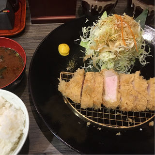 南の島豚 ロースかつ定食(あげづき コレド室町テラス店)