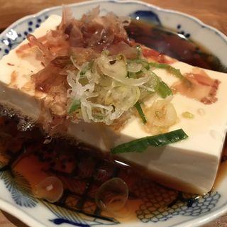酒場の湯豆腐(酒場 井倉木材 )