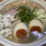鶏白湯シチューラーメン 味玉topping