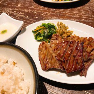 牛タン定食(牛タン焼専門店司  西口名掛丁店)