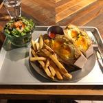 半熟タマゴのサンドイッチ with フレンチフライ