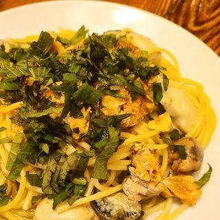 あん肝と牡蠣いっぱい入りスパゲティ(ラ・タベルナ )