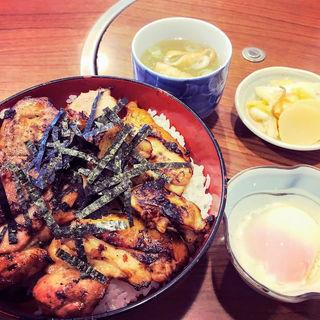 焼き鳥丼(とゝや (ととや))
