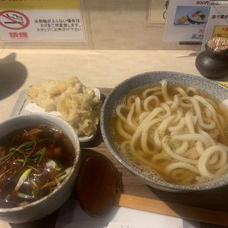 自家製ラー油をきかせた鶏ハラミとごぼうの大阪つけ麺