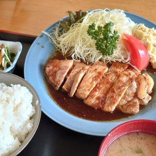 生姜焼き定食(お食事処まるき)