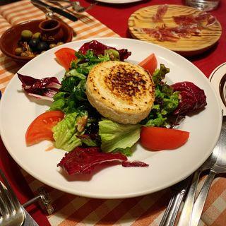 山羊チーズとブルーベリーソースのサラダ(サル イ アモール (Sal y Amor))