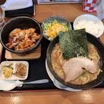 豚骨ラーメンと麻婆豆腐セット