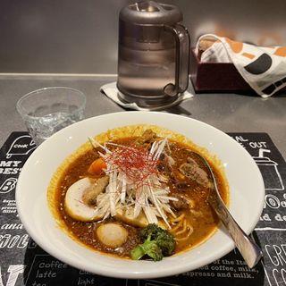 生ラムタタキのスパイスラーメン 羊骨スープ