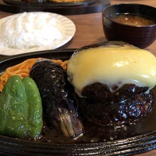 ダブルハンバーグ定食(400g) ゴーダチーズのトッピング(Restaurant ハセクラ)