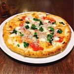 菜の花としらすのピザ