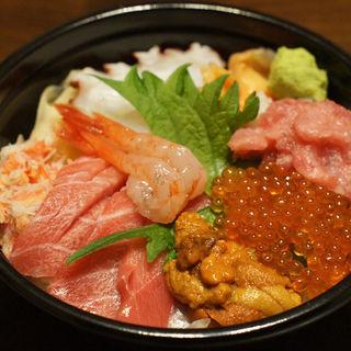 特上海鮮丼(鮨たじま  中野坂上店)