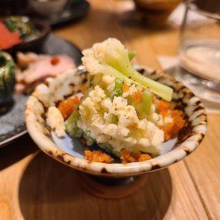 カリフローレと二年熟唐墨ポテトサラダ(酒 秀治郎)
