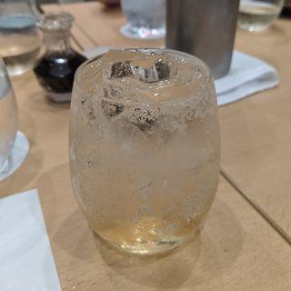 梅酒ソーダ(日本料理 秀たか)