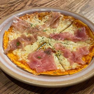 生ハムとモッツァレラチーズのピザ(旬香旬菜 まんまる (創作和食ダイニング))