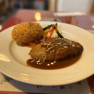 カニコロ&デミバーグ(ダイニングキッチン・オガッシ (Dining Kitchen OGATSHI))