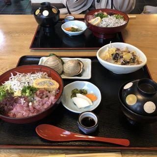 あじしらす丼定食(仙水)