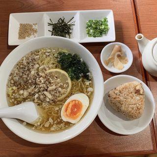 鯛ラーメン(お茶漬けセット)(春香)