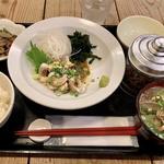 ダルマ鯛炙り胡麻定食