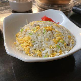 半チャーハン(麺伝 とも )