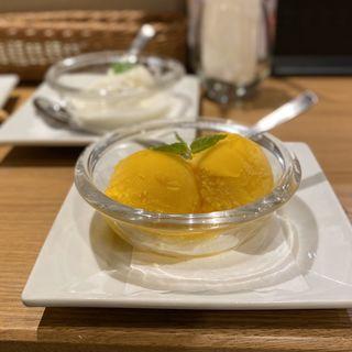 マンゴー・アイスクリーム(スコンター RAYARD Hisaya-odori Park店)